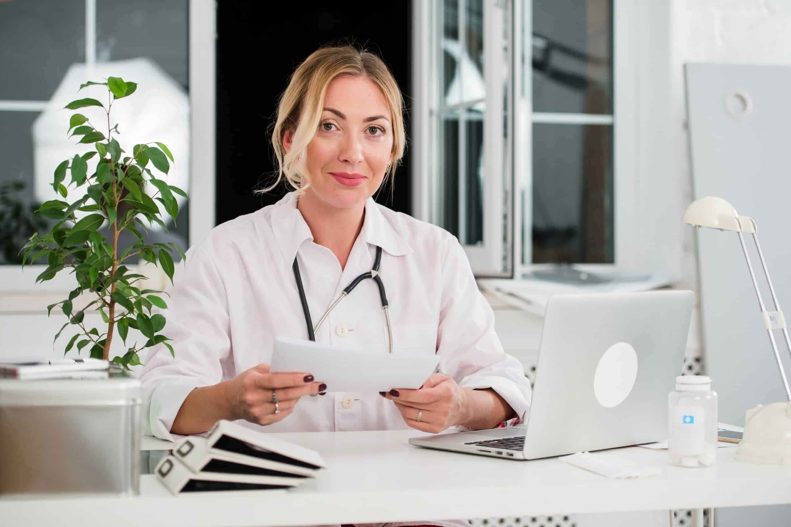 How to Become a Holistic Doctor